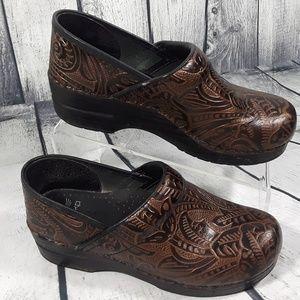 Dansko Women's Professional Clogs Shoes Size 39- 8